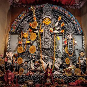হেঁটে নয়! ভার্চুয়াল পুজোয় এবারে শহরের ঠাকুর দেখুন নেটে!