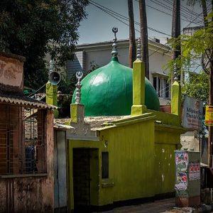 কলকাতার নামী মসজিদের মাঝে বালিগঞ্জে সগৌরবে দাঁড়িয়ে ক্ষুদ্রতম মসজিদটিও