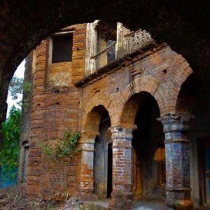 আদি বাংলার ঐতিহ্যের উত্তরসূরী হয়েও অবহেলিত 'মন্দিরময় লালগড়'