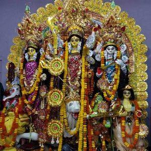 গ্রামে ঐতিহ্যের পুজো! আড়বালিয়ার নীলকণ্ঠ কুঠিতে দেবী 'শক্তি রূপেন সংস্থিতা'