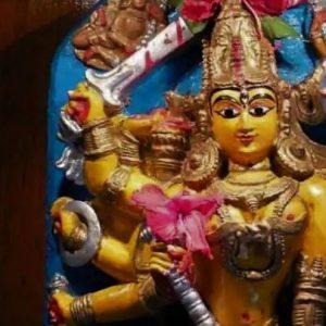 'সবচেয়ে বড় দুর্গা'দের প্রতিযোগিতার যুগে কলকাতার ঐতিহ্য '৩ ফুটের দুর্গা'!